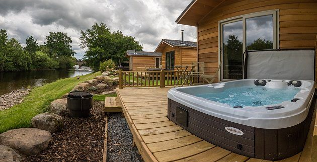 Holidays In Scotland Braidhaugh Hot Tub Lodges Furnished Decking Area Cabin Hot Tub Log Cabin Holidays Hot Tub