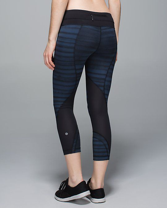 2d6d6a7c5 Lululemon Run  Inspire Crop II (Mesh)  Full-On Luxtreme in Good ...