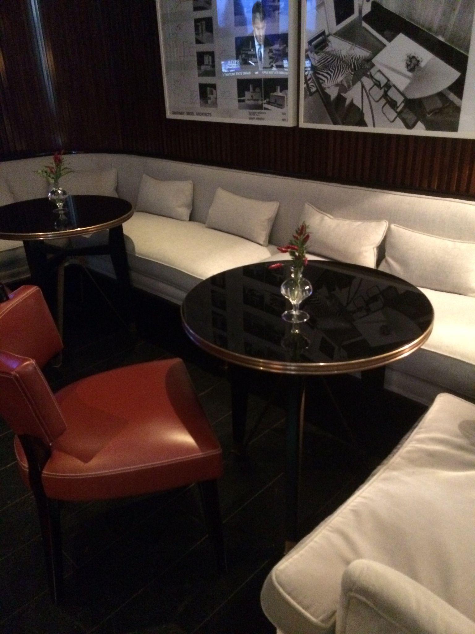 Pin di Laura Rubino su Bar restaurants