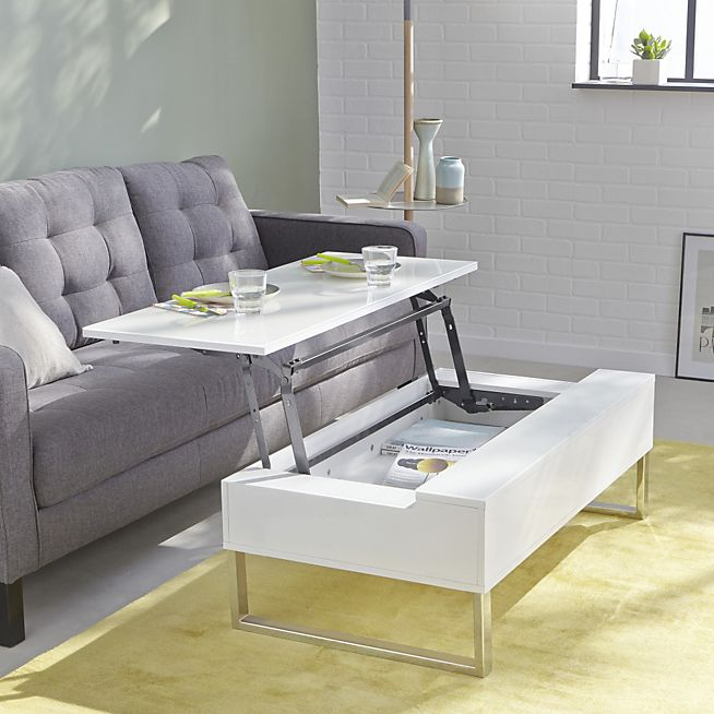 Novy Table Basse Avec Tablette Relevable Blanche Manger Devant Un