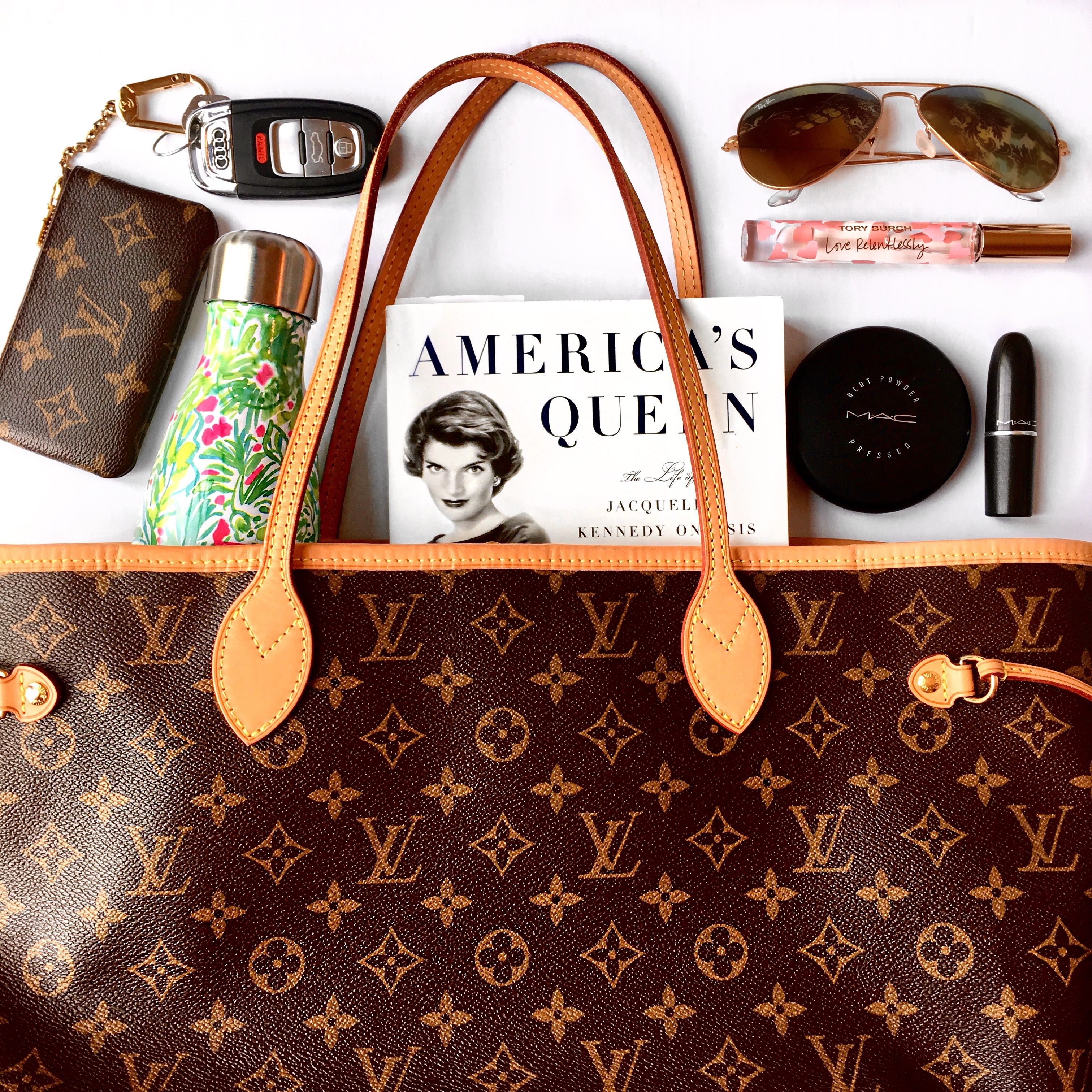 21a7f216553d The Tote Bag Everyone Needs  Neverfull MM Review