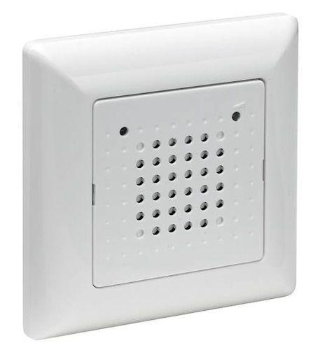 Grothe-Elektronik-Gong-43701-Unterputz-Klingel-120ws-Tuergong - weiße küche mit holz