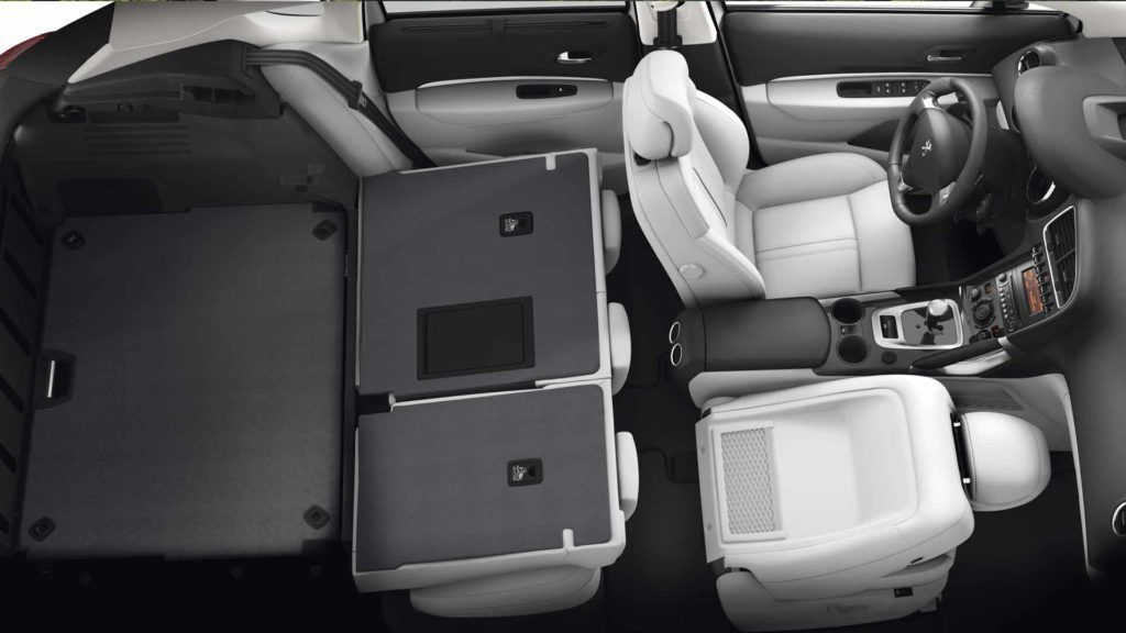 peugeot 3008 interior: completely folded rear seats offer flat