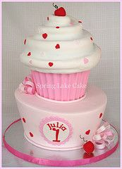 Merissa In 2018 Cakes Pinterest Giant Cupcakes Cupcakes And Cake
