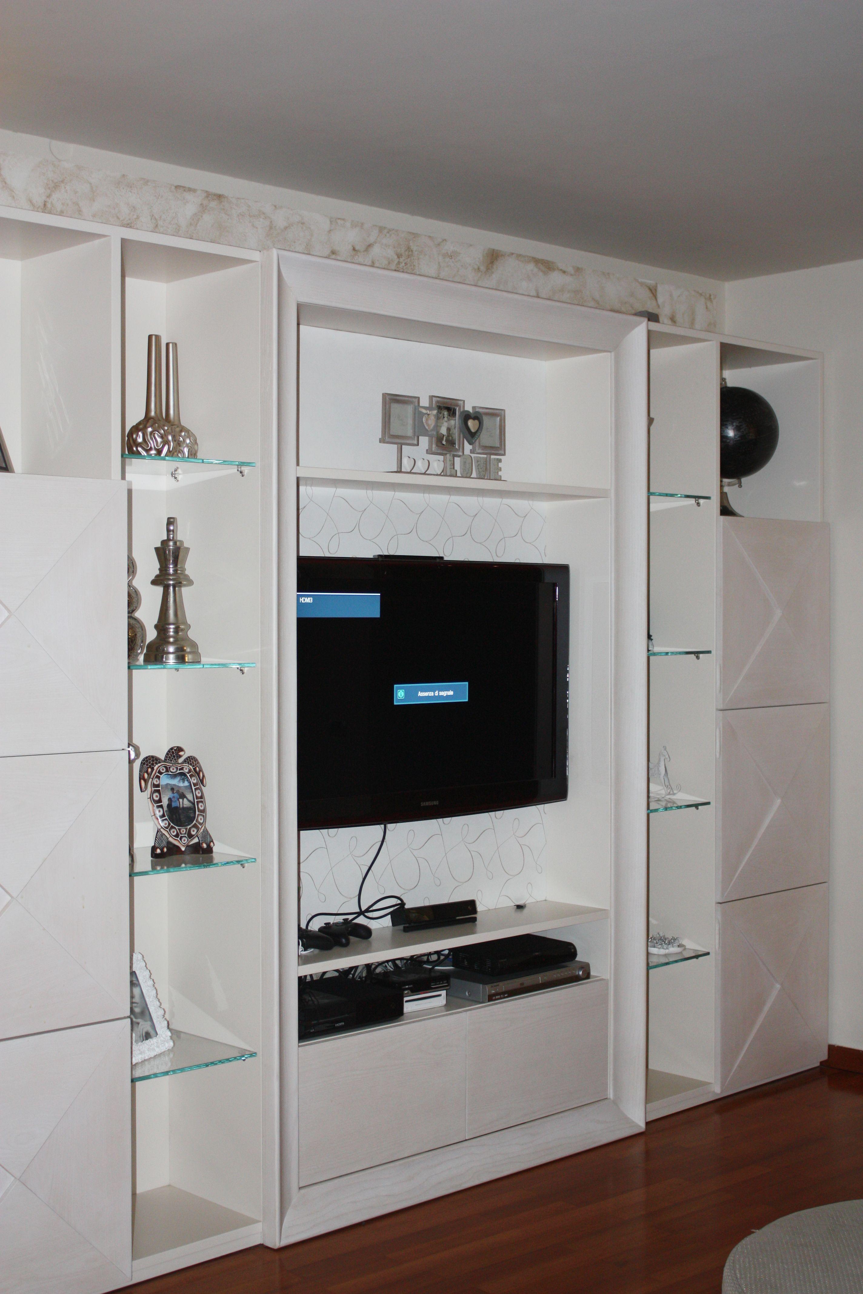 Mobile sala e soggiorno Realizzato su misura in legno Rovere ...