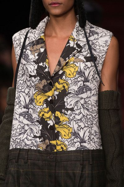 I M Isola Marras at Milan Fall 2015 (Details)