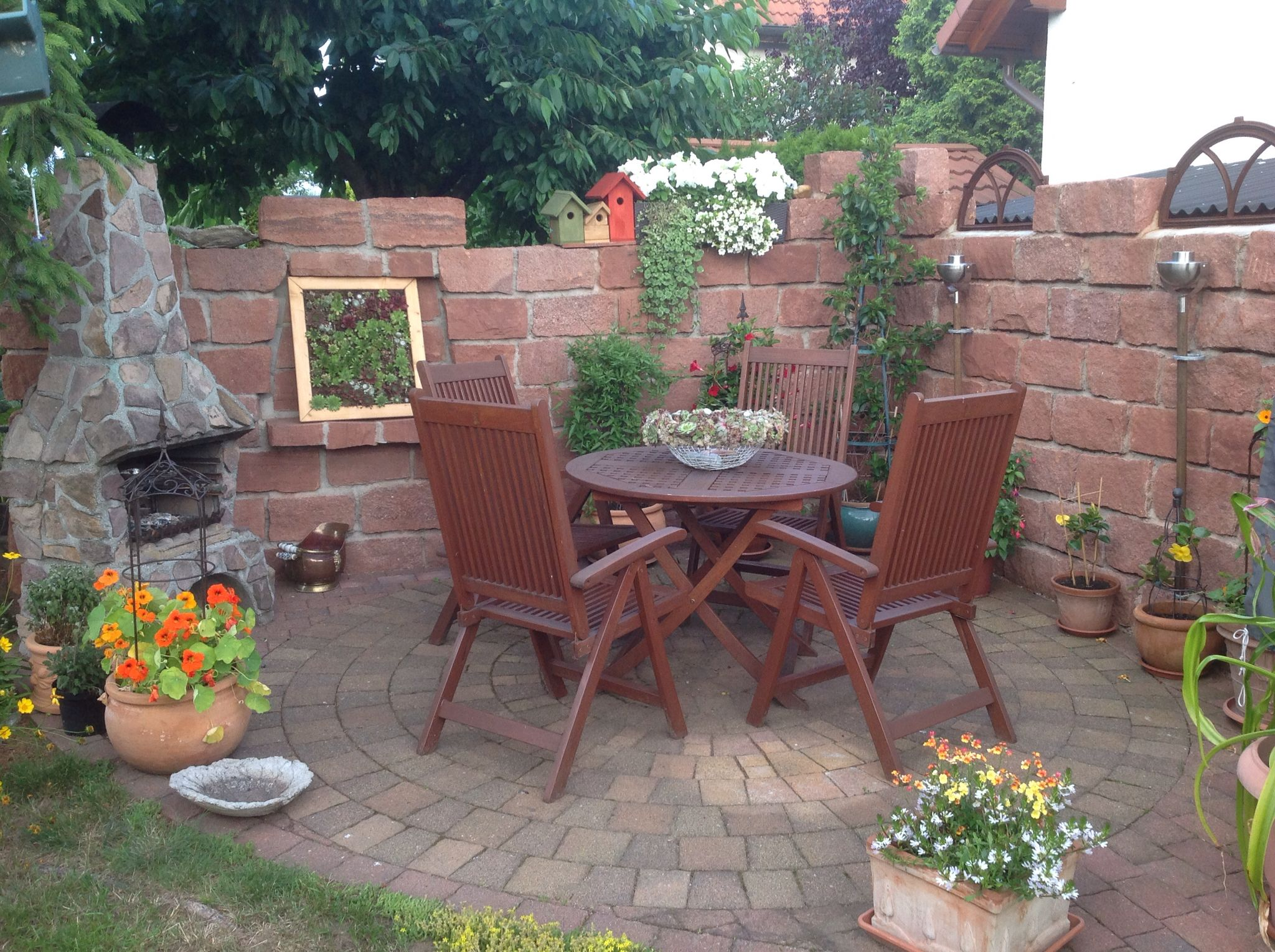 grillecke mit sukkulenten garden pinterest sommer. Black Bedroom Furniture Sets. Home Design Ideas