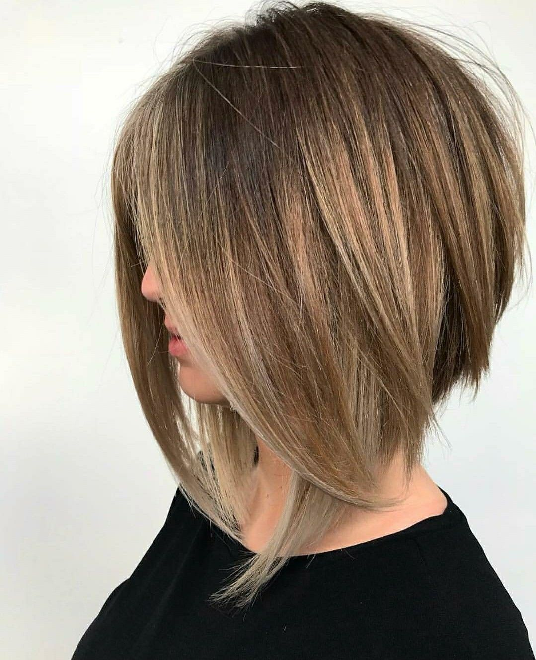 Pin By Lydie Jacquelin On Cabelos Hair Styles Thick Hair Styles Angled Bob Hairstyles