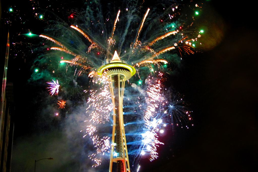 25 Things To Do In Seattle This Winter Clipper Magazine New Years Eve Fireworks New Year Fireworks Seattle News