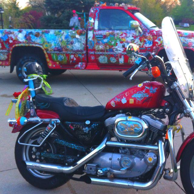 Art truck.... Art Harley....