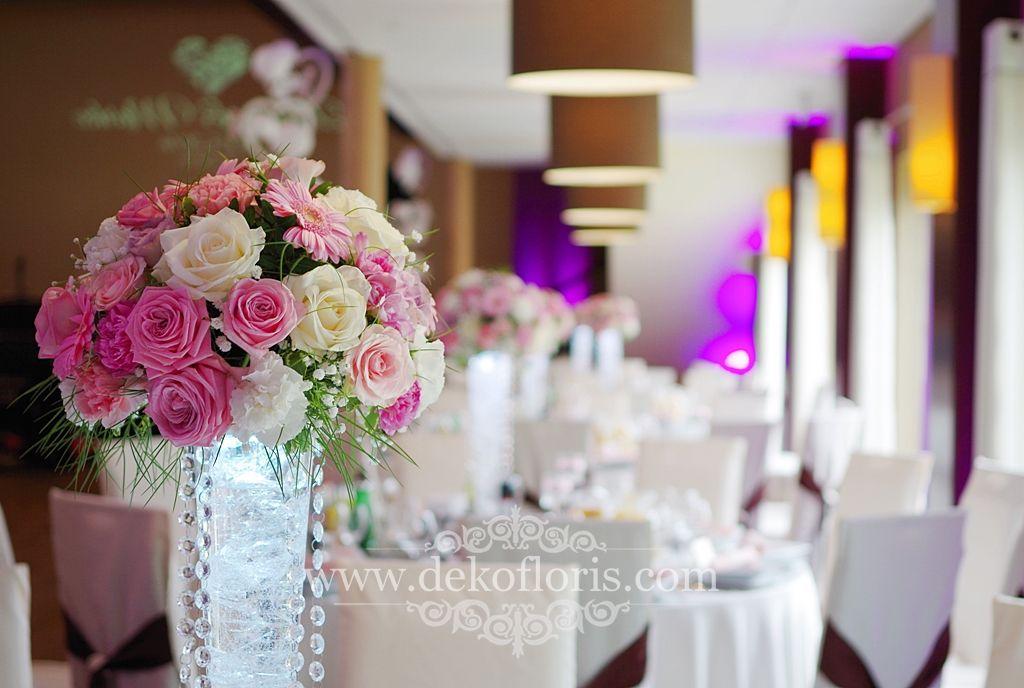 Rozowe Kwiaty Na Stoly Wesele Arkas Proszkow Table Decorations Decor Home Decor