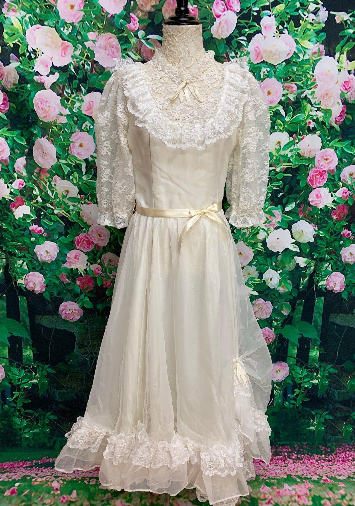 70s White Lace Dress Southern Belle Fancy Frocks Ruffles Etsy Lace White Dress Southern Belle Dress Fancy Frocks [ 1768 x 1242 Pixel ]
