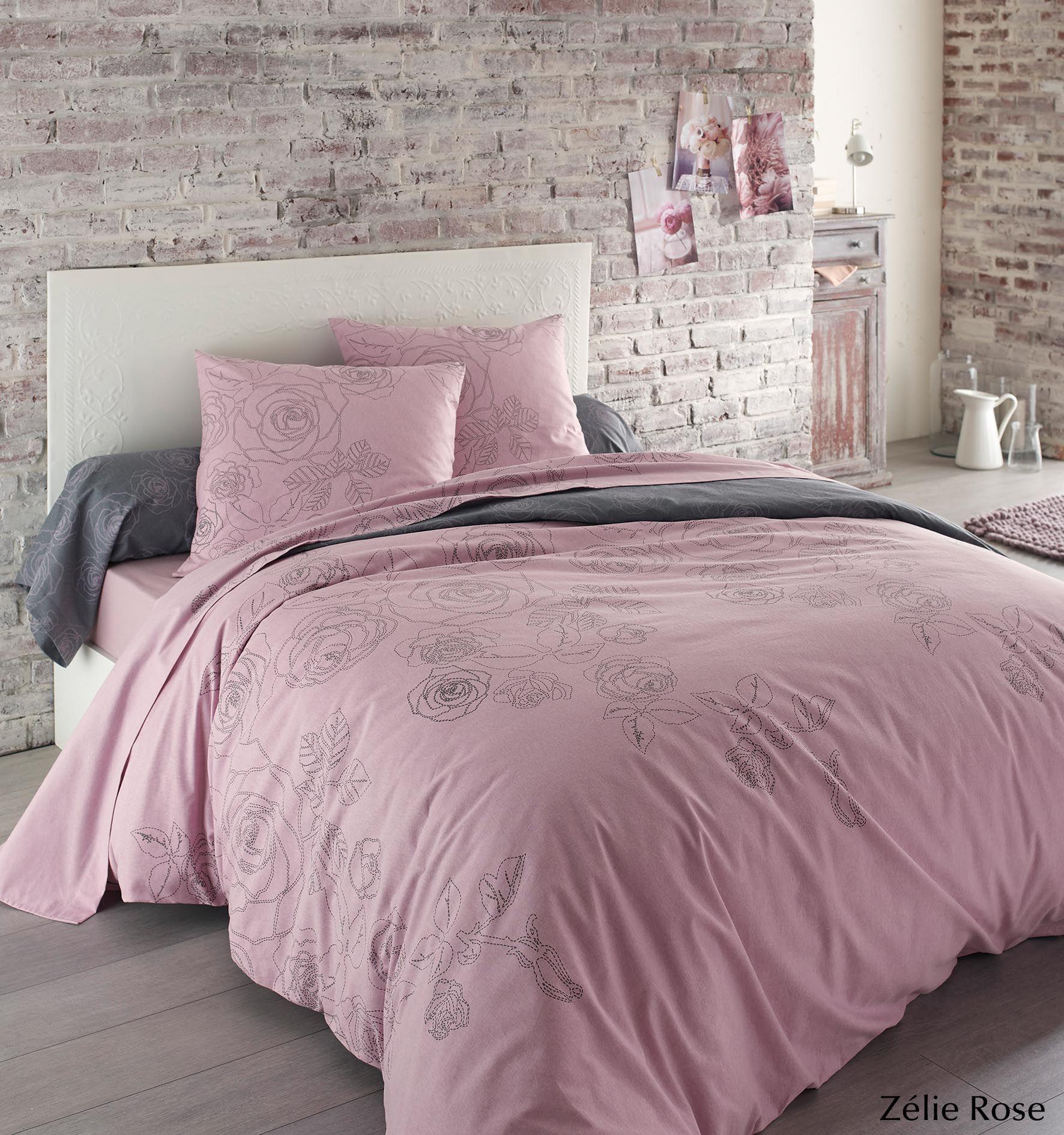 craquez pour le charme du fleuri avec la parure de lit. Black Bedroom Furniture Sets. Home Design Ideas