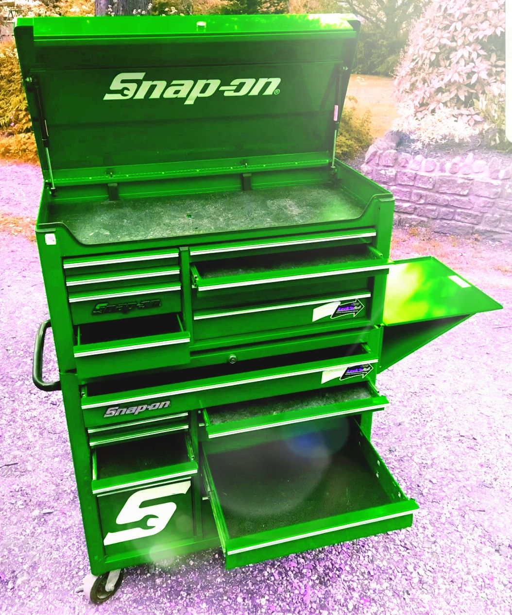 Green Snap On Roller Cab Tool Chest Every Garages Dream Garage Tools Tool Box Storage Shop Tool Boxes
