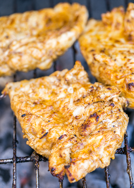 Taco Ranch Chicken - our favorite! SO easy and this tastes delicious! Only 6 ingredients - olive oil, Ranch dressing, taco seasoning, lime juice, vinegar and chicken. Great on its own or on top of a salad or in tacos and quesadillas. We make this at least once a week! Such a quick and easy Mexican chicken recipe! #maketacoseasoning