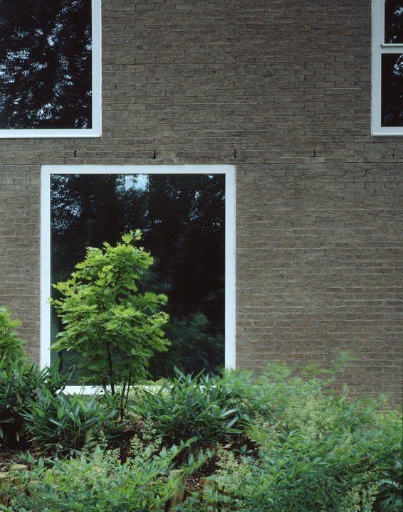 Jonathan Woolf - Brick Leaf House