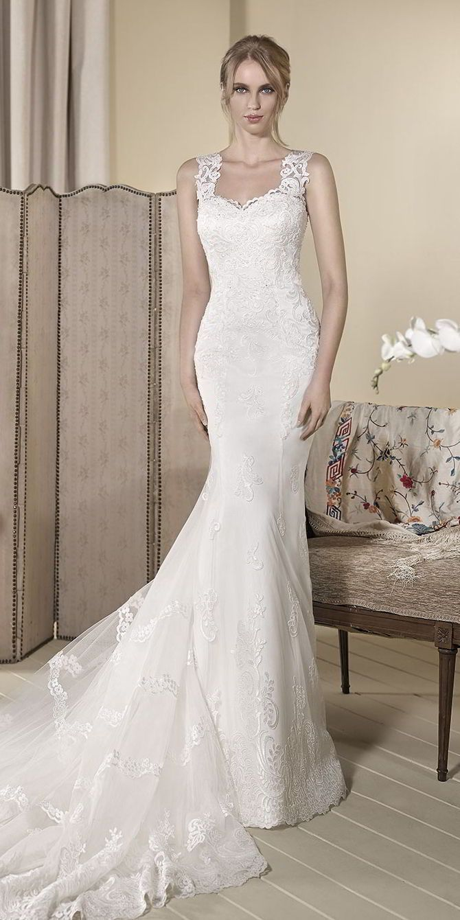 Embroidered lace wedding dress  Mermaid Wedding Dresses  Mermaid tulle wedding dress with
