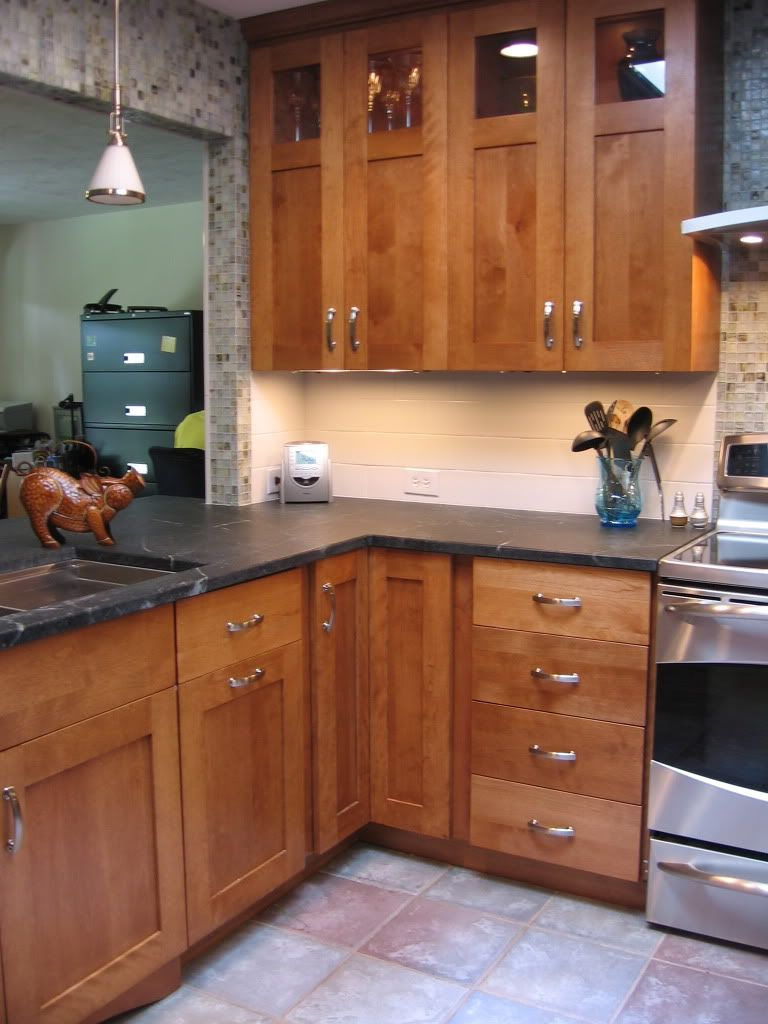 Backsplash For Soapstone Counters Kitchens Forum Gardenweb Cherry Wood Kitchen Cabinets Kitchen Cabinets Cherry Wood Kitchens