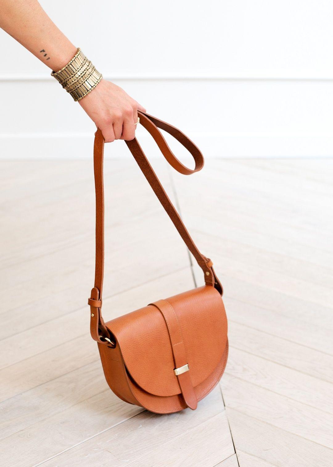 Claude Messenger Bag | Sac sezane, Sac, Sac cuir vintage