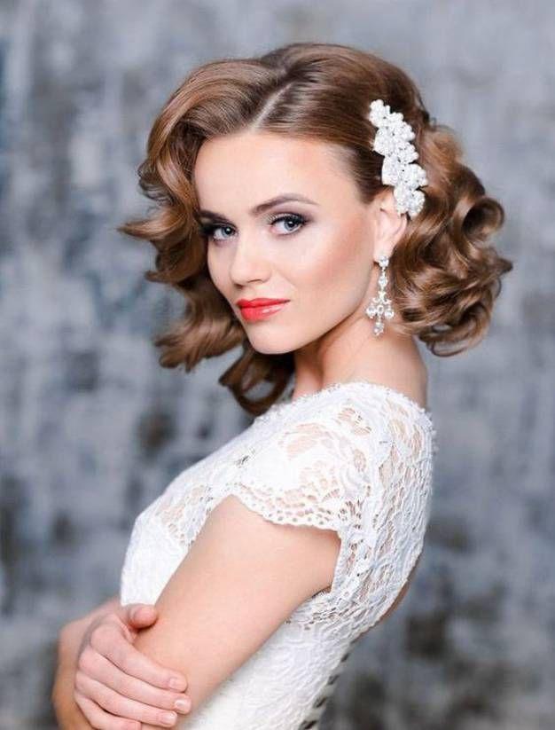 Wedding Hairstyles For Medium Length Curly Hair Loose Curls Wedding Curly Bridal Hair Trendy Wedding Hairstyles