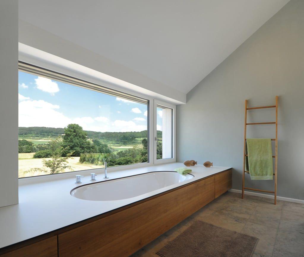 Badewanne Mit Ausblick In Die Landschaft Moderne Badezimmer Von Grimm Architekten Bda Modern Homify Badezimmer Ohne Fenster Badezimmer Modernes Badezimmer