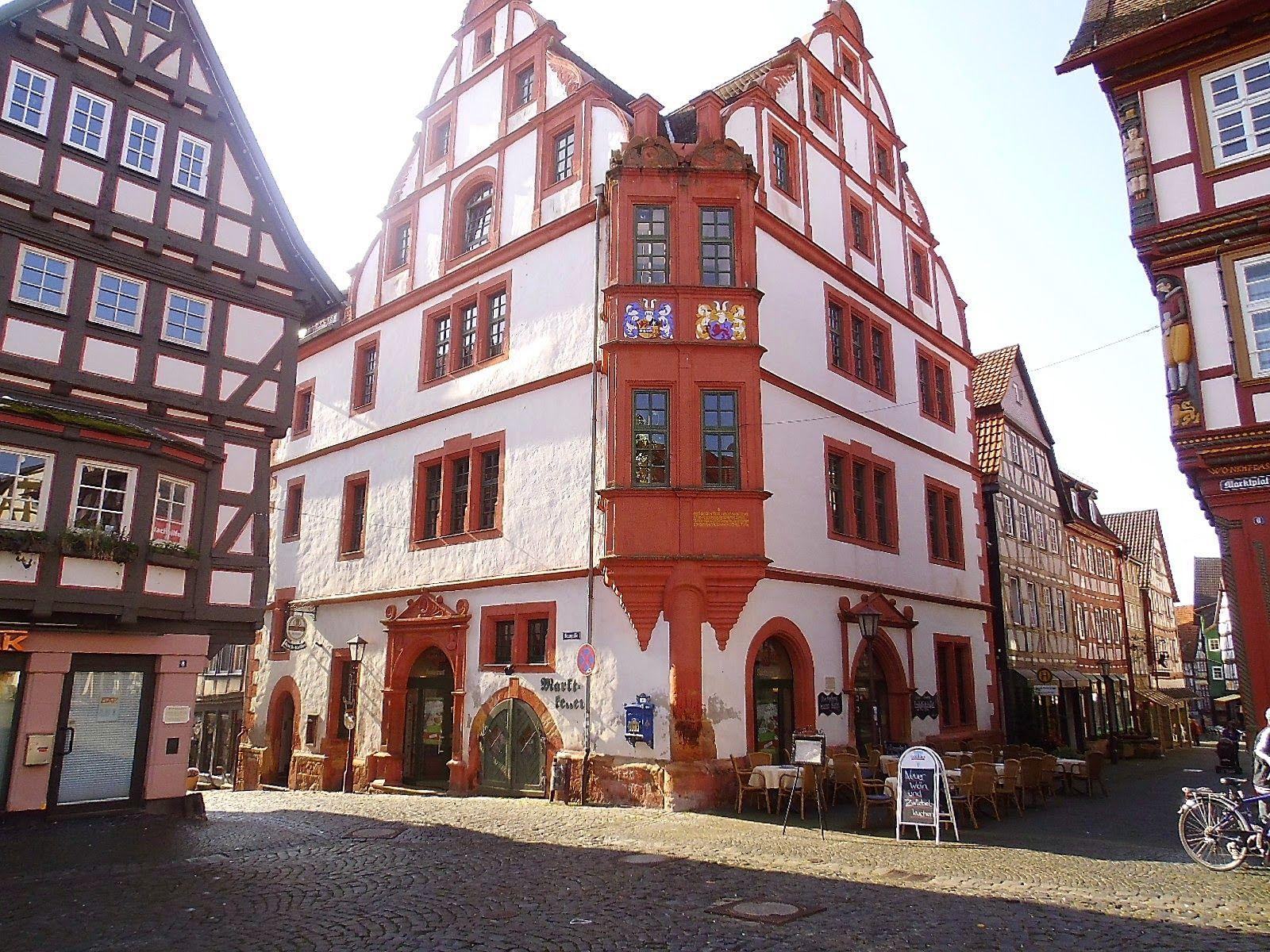 Europäische Modellstadt Alsfeld: Zum Kaffee bei Rotkäppchen  http://www.anderswohin.de/2014/10/europaischen-modellstadt-alsfeld-zum.html