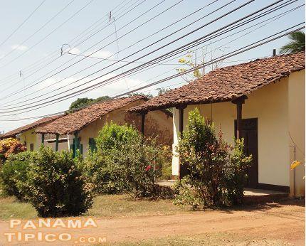 La arena es un pueblo que conserva muchas casas de for Casa moderna 99 arena
