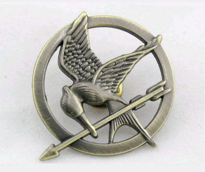 The Hunger games brooch Mockingjay pin from robynshop2015 by DaWanda.com