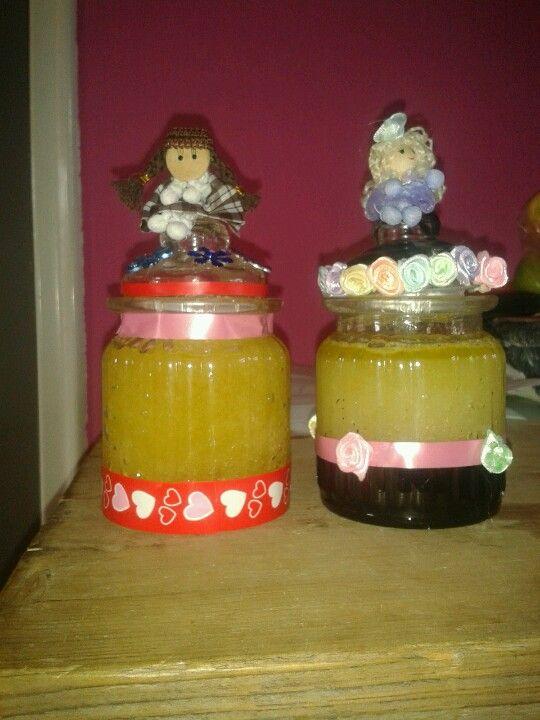 Suiker scrub.  1x net honing en 1x met limoen.