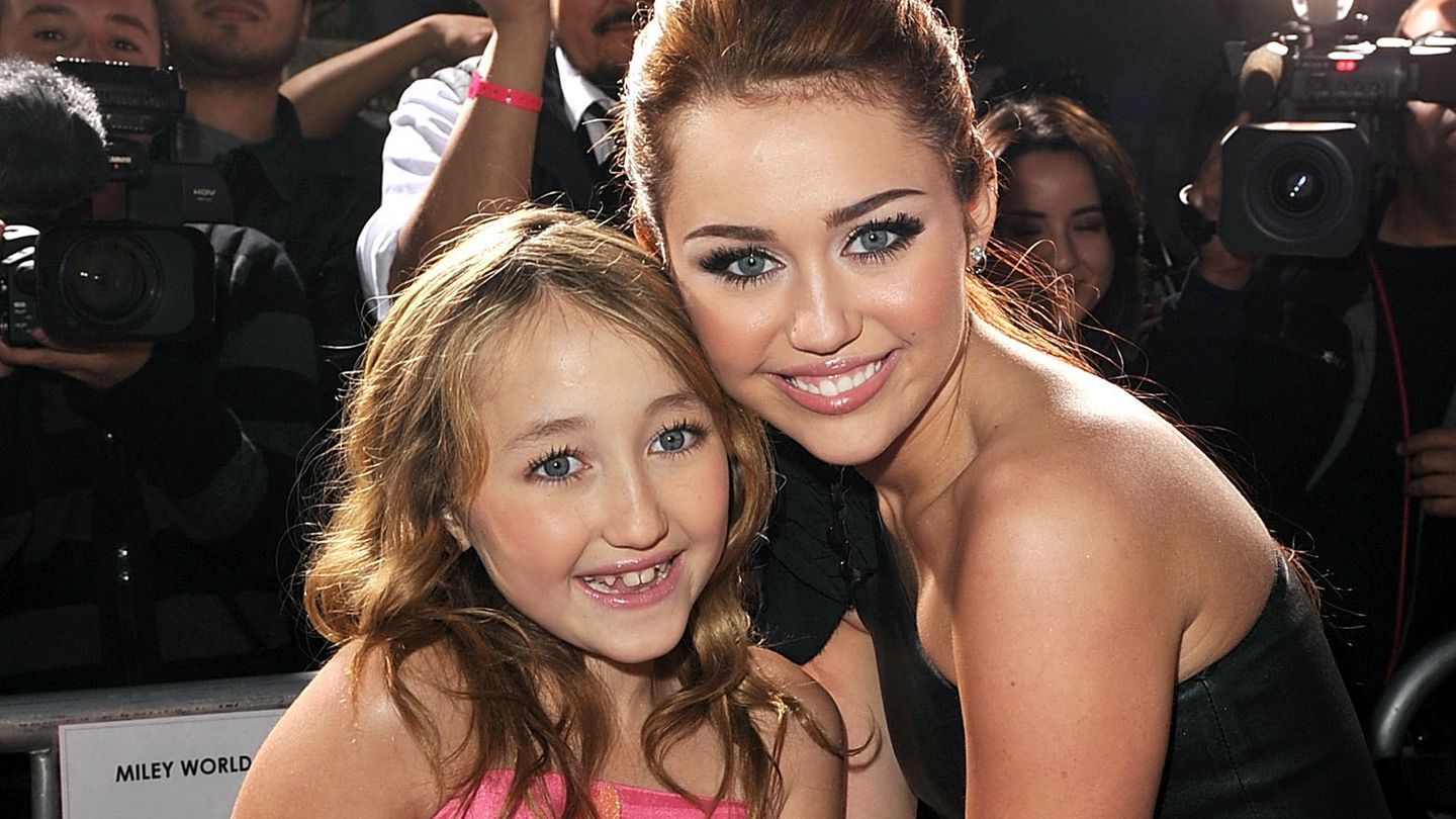 Miley Cyrus' Little Sister Noah Is Nearly Unrecognizable On The ...