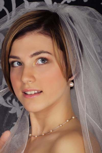 Short Hair Long Veil Short Wedding Hair Short Hair Styles Short Bridal Hair