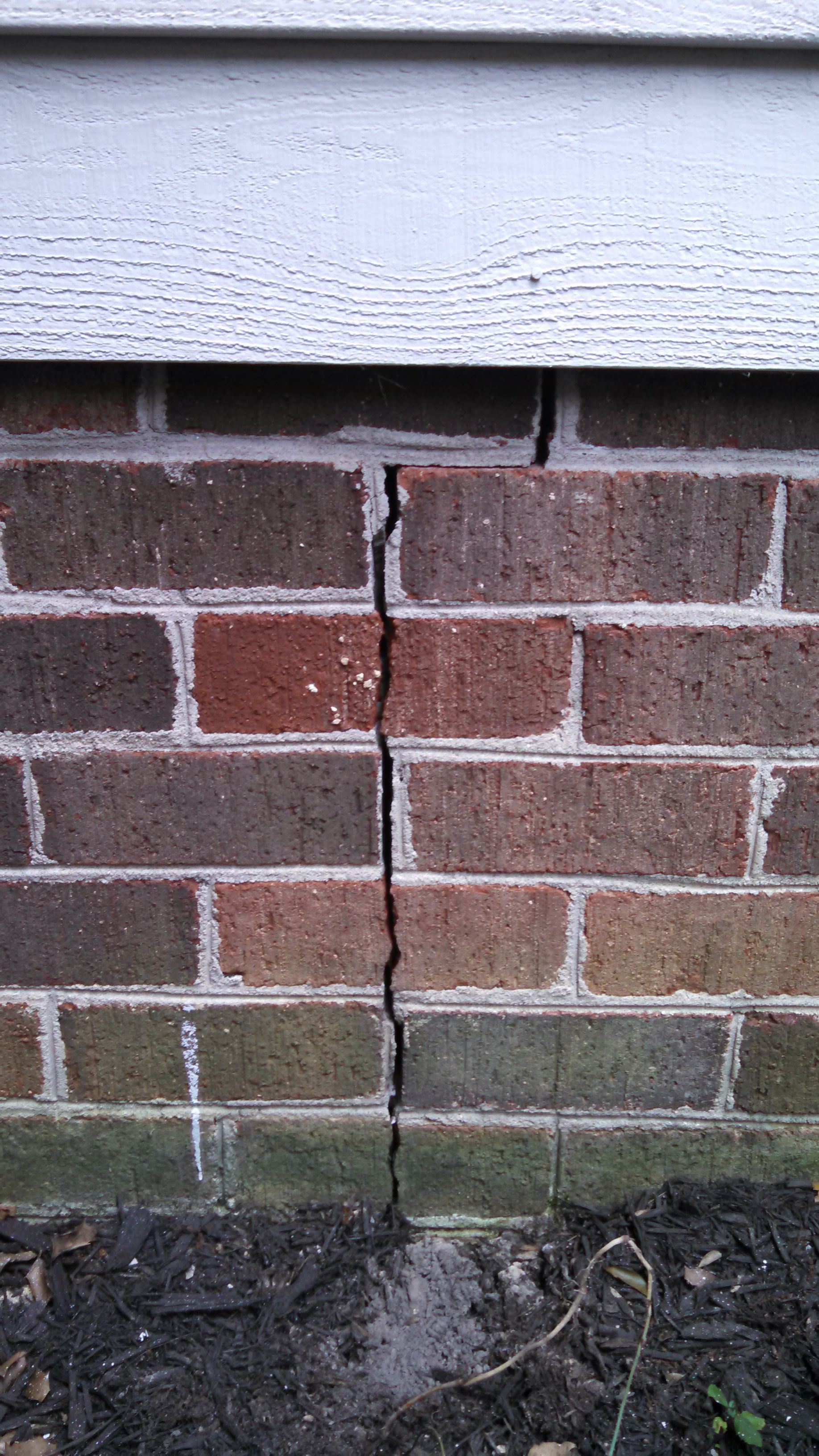 Brick Veneer Accent Wall I Have A Crack In The Brick Veneer Of The Exterior