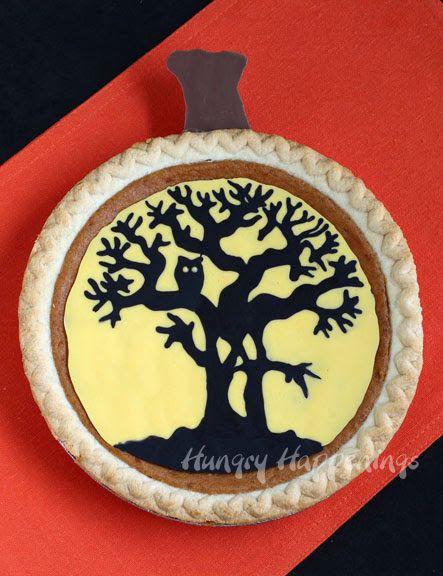 Decorate a Pumpkin Pie using a Pumpkin Carving Pattern