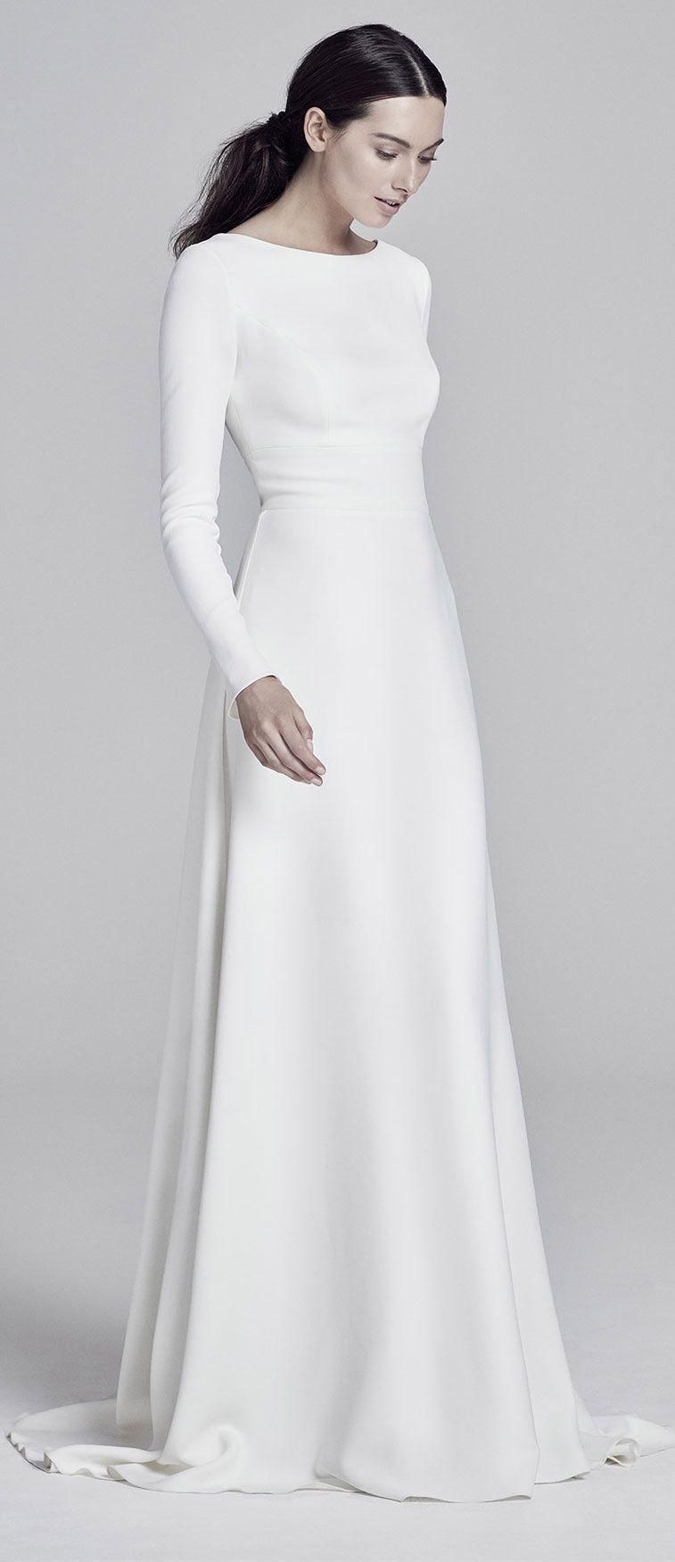 32 Sleek Chic And Cosmopolitan Wedding Dresses Fab Wedding Dress Wedding Dresses Bri Modern Wedding Dress Long Sleeve Bridal Dresses Chic Wedding Dresses [ 1750 x 757 Pixel ]