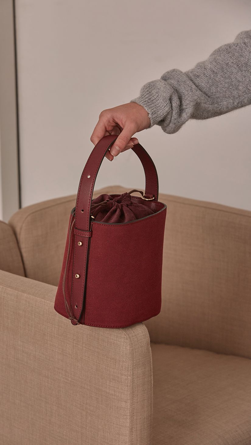 Seed Bucket bag in Burgundy