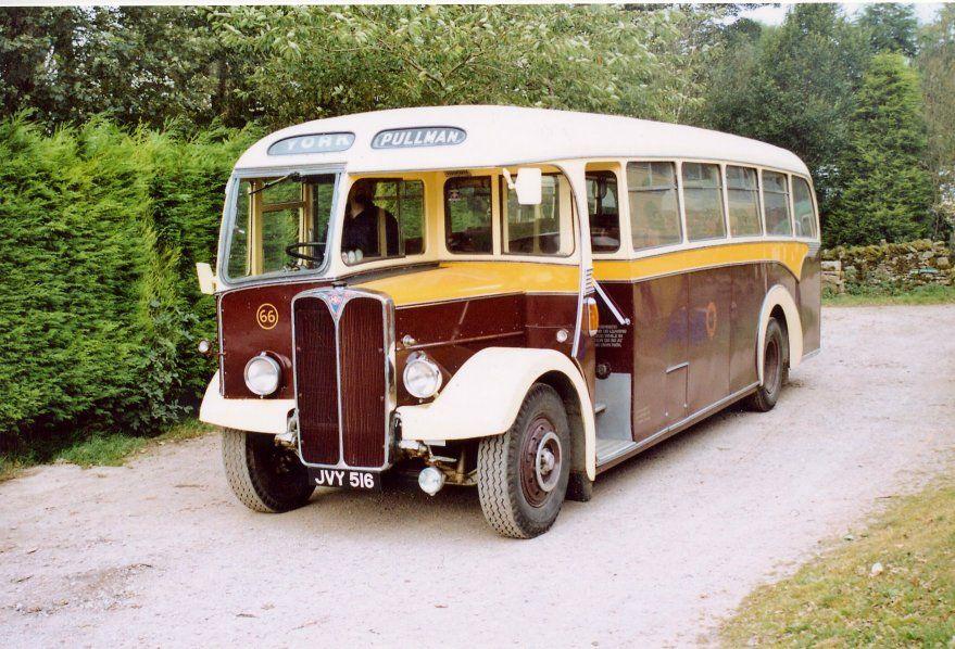 York Pullman 879x598 Bus Coach Trucks Taxi