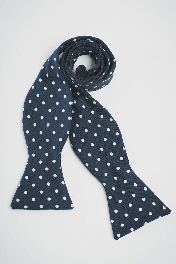 NAVY SILK WITH WHITE (CHURCHILL) DOTS BOW