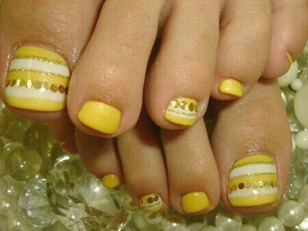 Yellow Toes Cute Toe Nails Yellow Toe Nails Pedicure Nails