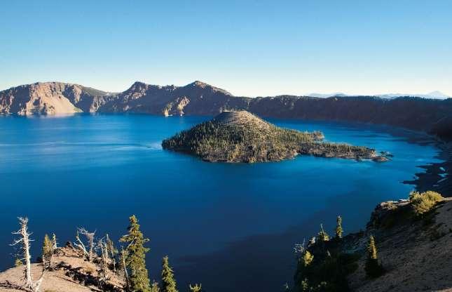 America's Natural Wonders: Crater Lake, Oregon - Photo by Travel Oregon / Kurt Hettle #craterlakeoregon