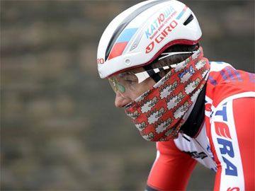 El ciclista Luca Paolini utiliza un polar Buff de Kukuxumusu. Foto por Bettini http://www.kukuxumusu.com/index.php/es/actualidad/noticias/el-ciclista-luca-paolini-utiliza-un-polar-buff-de-kukuxumusu