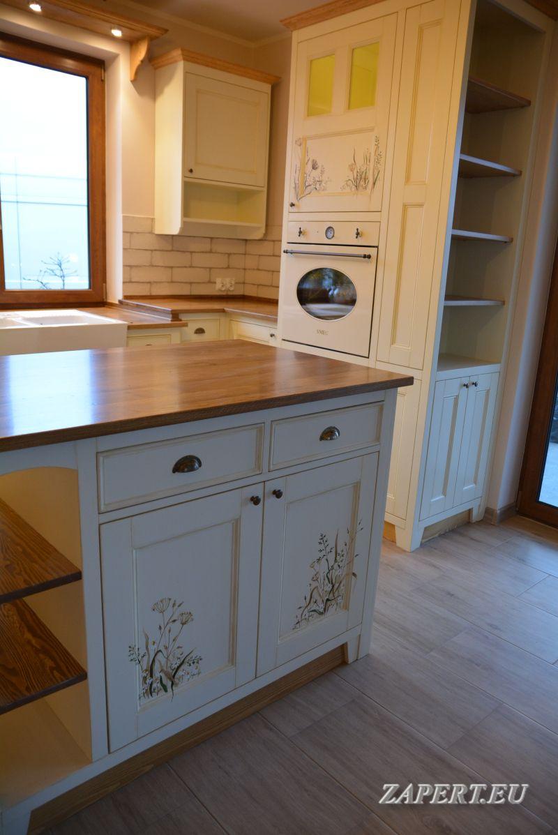 Kuchnia Rustykalna Z Wyspa Home Decor Home Kitchen Cabinets