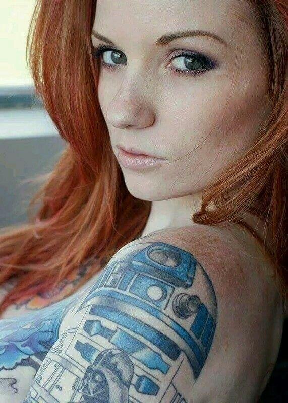 R2 shoulder tatt + hot redhead = ♡