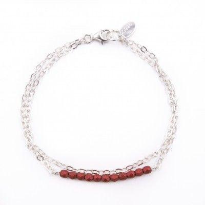 Achetez ce bracelet femme en argent 925 à la mode   il arbore des jolies  perles rouges au touché velours ! 903d08426017