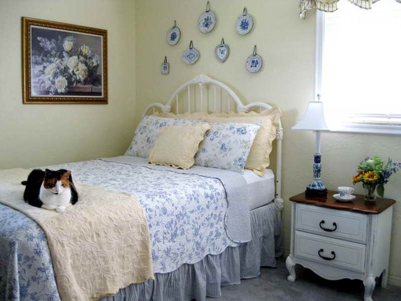 Ordinary Small Cottage Bedroom Ideas Part - 8: Cottage Feel Bedrooms | Related Post From Cottage Style Bedrooms Ideas