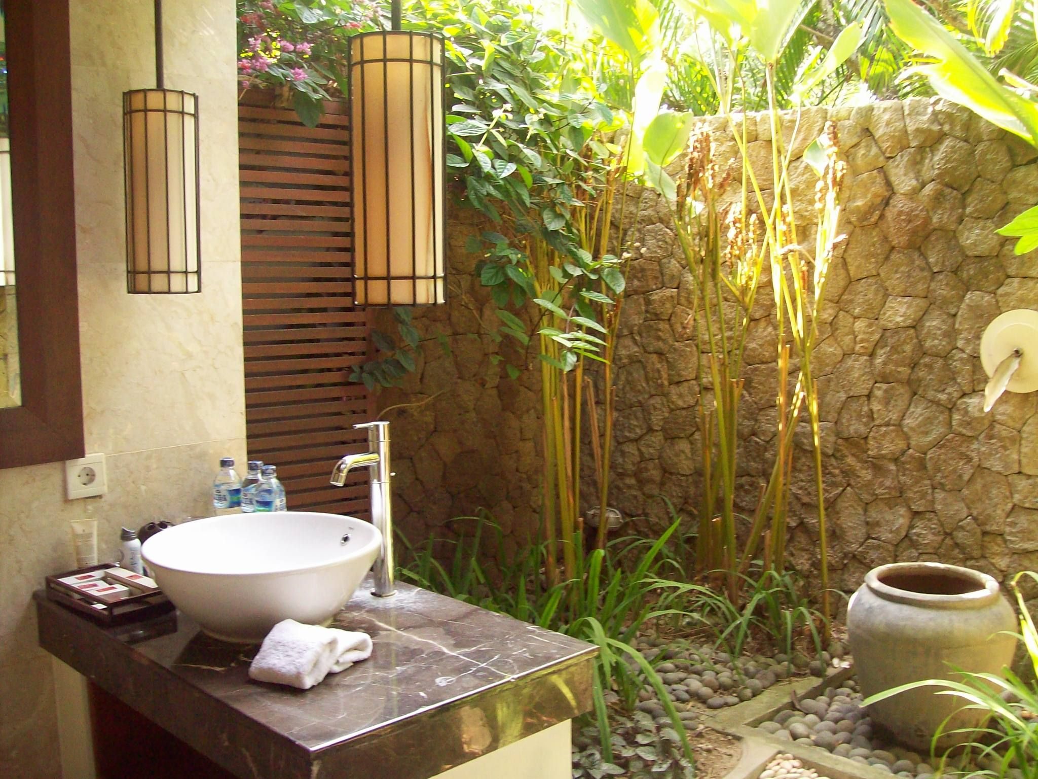 The outdoor living pavilions are perfect for the Balinese climate ...