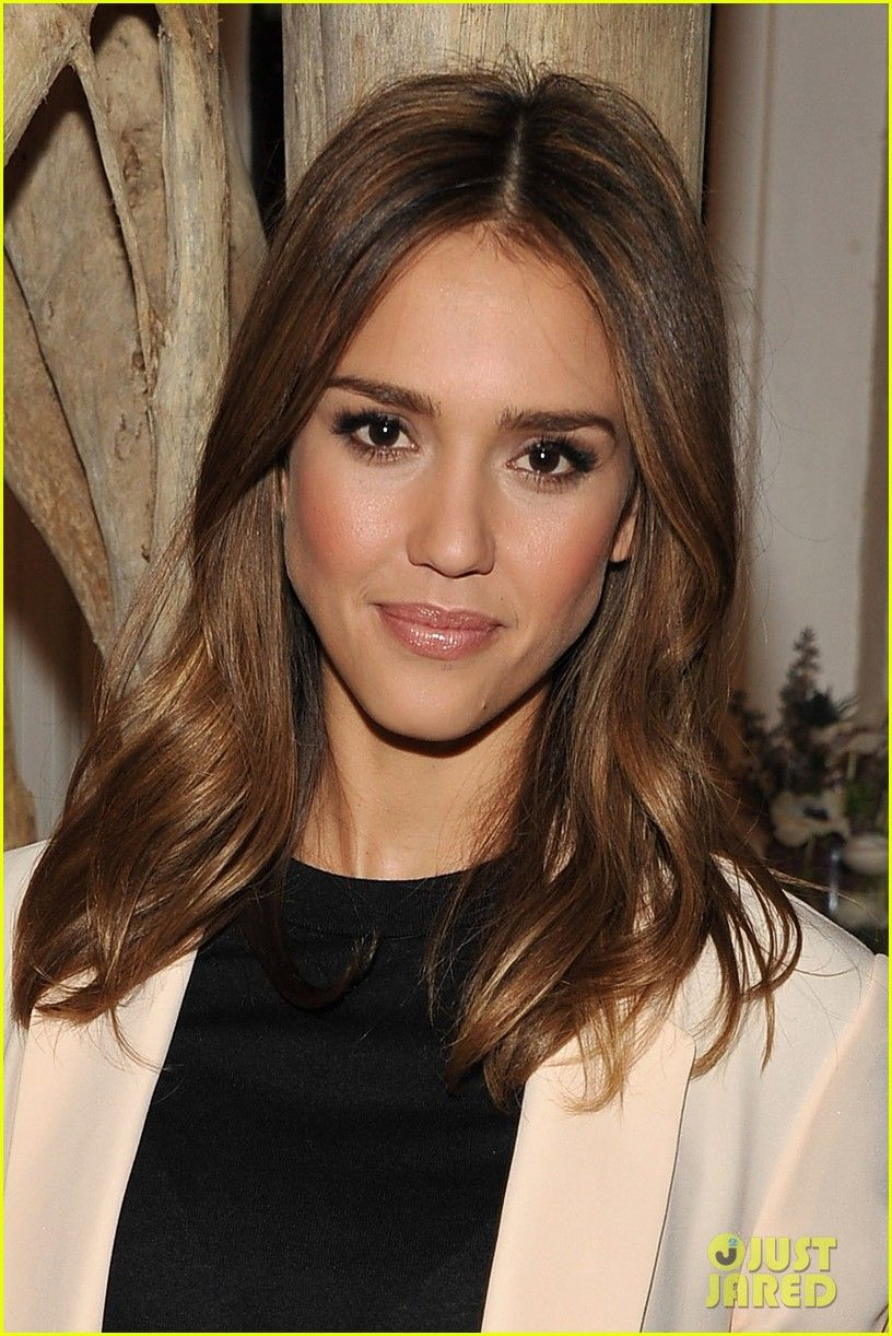 Jessica Alba Love Her Hair Color Jessica Alba Hair Hair Styles