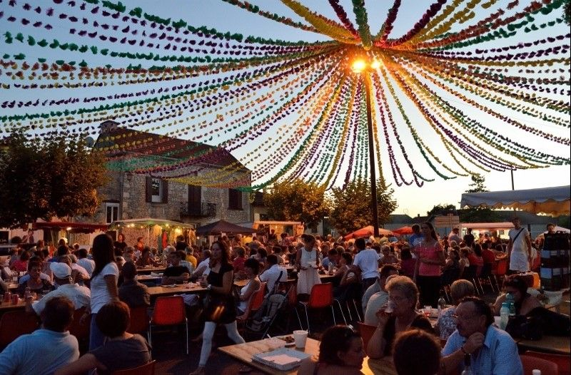Marché gourmand nocturne, SIGOULES | Pays de Bergerac Tourisme ...