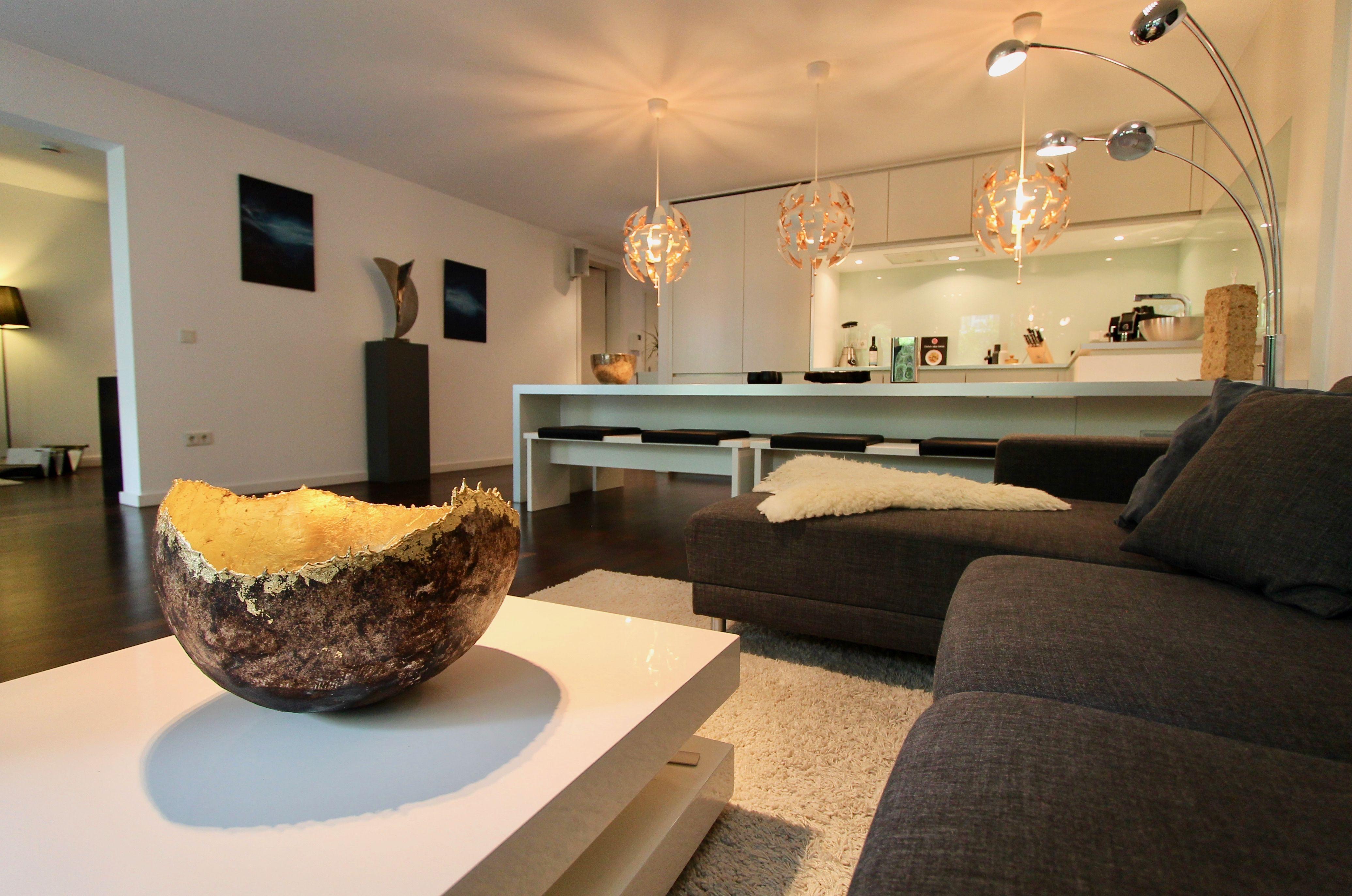 Luxus Designerwohnung Mit Top Ausstattung Und Zwei Terrassen Diese Luxuriose 3 Zimmer Wohnung Befindet Sich In Einem Modernen Funfgescho Home Home Decor Decor