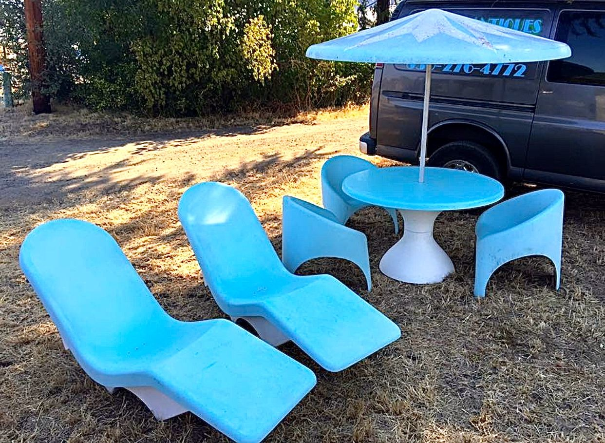 Vintage mid century modern metal folding wire mesh patio chairs - Vintage Fibrella Le Barron Pool And Patio Furniture