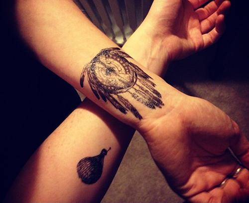 32 Amazing Wrist Tattoo Ideas (2)